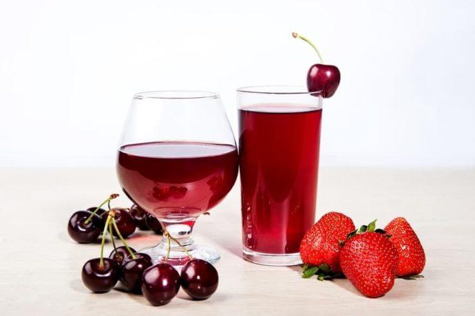 Cherry Pie Moonshine Cocktail Drink Recipe