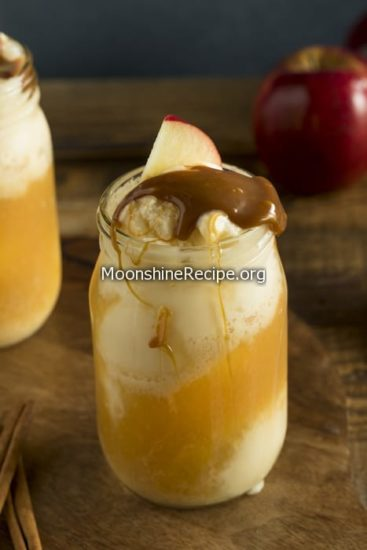 Homemade Starbucks Caramel Apple Cider