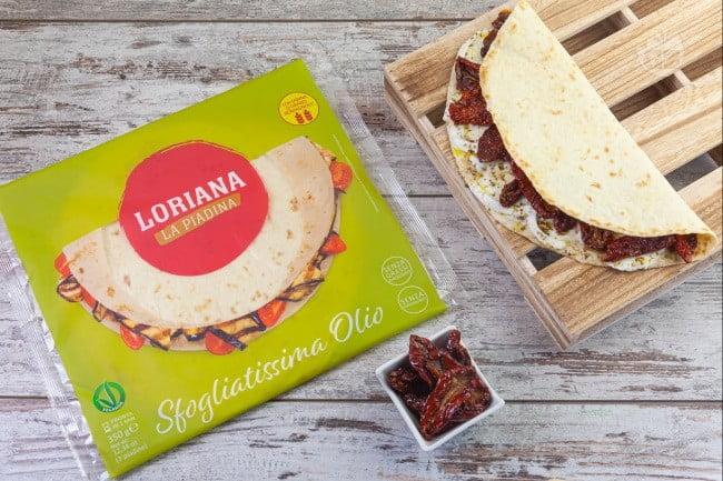 Piadina recipe with dried tomatoes and buffalo mozzarella
